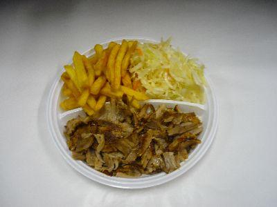 Kinder-Gyros mit Pommes und Salat